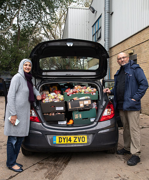 Sahar-and-Tariq-Beg-with-a-carful-of-collected-from-the-Cappagh-hub-for-Tooting-Community-Kitchen